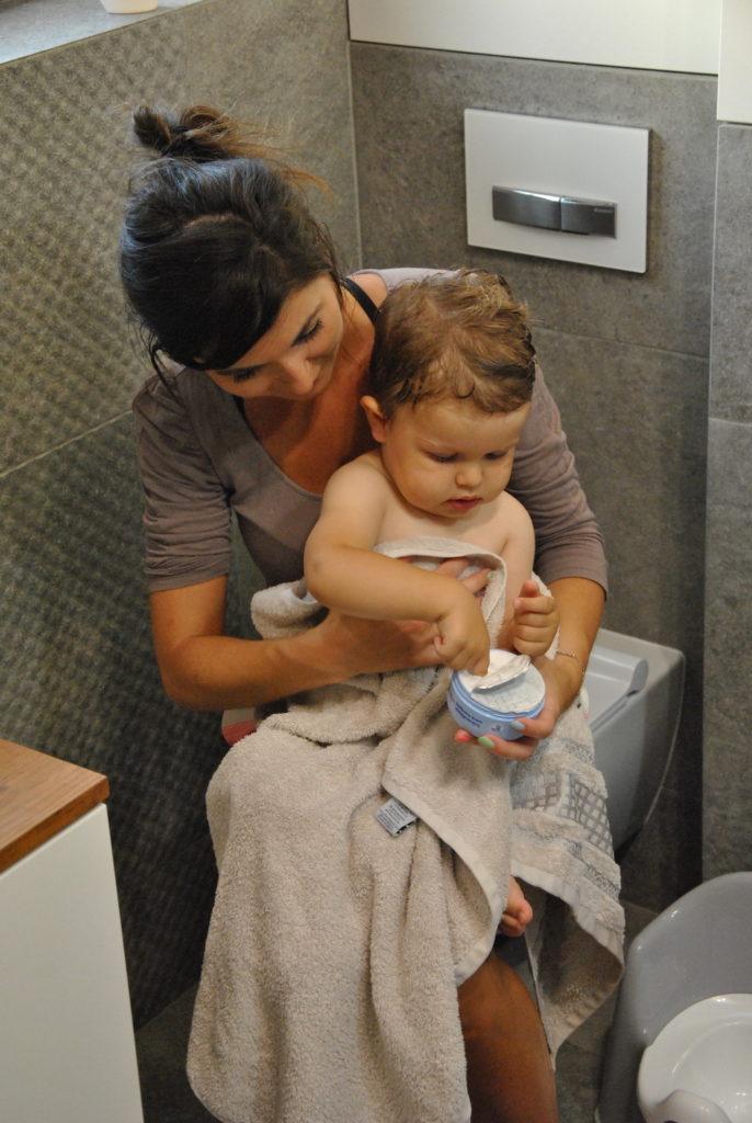 pieęgnacja małego dziecka
